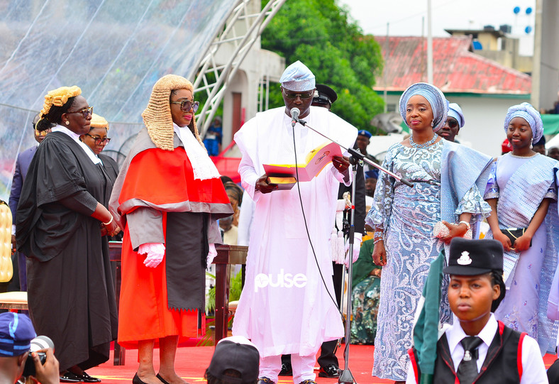Sanwo-Olu takes the oath of office on May 29, 2019 (Pulse)