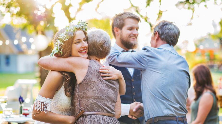 Jaką wiedzę można czerpać od dziadków i rodziców planując własny ślub i wesele?