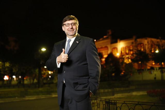 """Specijalni američki posrednik za Zapadni Balkan Metju Palmer u intervjuu EU observeru rekao da je razmena granica između Beograda i Prištine """"i dalje opcija ako se dve strane dogovore"""" i da je cilj međusobno priznanje"""
