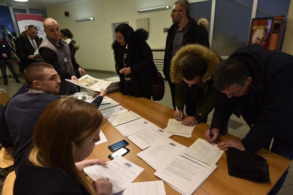 Potpisivanje sporazuma s narodom