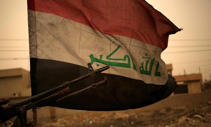 Atak rakietowy na bazę w Iraku