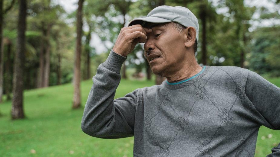 Nie lekceważ uporczywych bólów głowy (zdjęcie ilustracyjne)