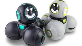 Cue - robot do nauki kodowania