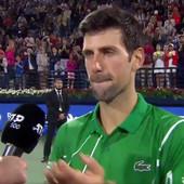 NOVAK SA SUZAMA U OČIMA! Nakon pobede mu je rečeno da se Maša POVUKLA, Srbin nije mogao da zadrži BUJICU emocija! A onda se obratio na SRPSKOM! /VIDEO/
