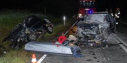 Koszmar! Ford uderzył w stado dzików. 6 osób rannych