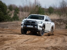 Toyota Hilux – sprawdzamy w terenie nową odsłonę pikapa