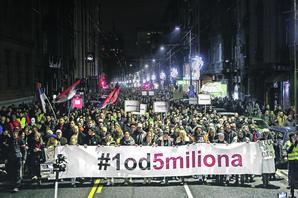 DA LI PROTESTE PREPUSTITI STANKAMA Šta se menja ako na čelo kolone građana izađe opozicija