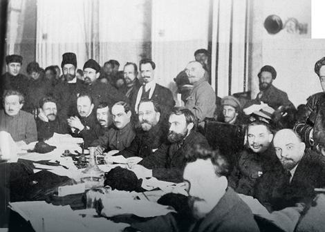 Sastanak boljševika, lenjin sedi sa leve strane