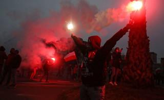 Czarne chmury nad Marszem Niepodległości. Warszawa wystawi organizatorom rachunek za straty?