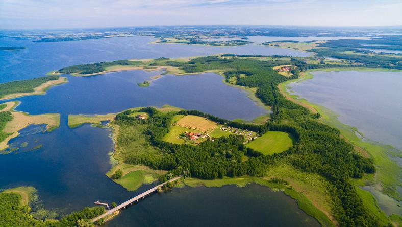 Jeziora na Mazurach świetne na urlop. Piękna przyroda i ciekawe ...