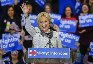 Hillary Clinton wygrała w prawyborach w Południowej Karolinie