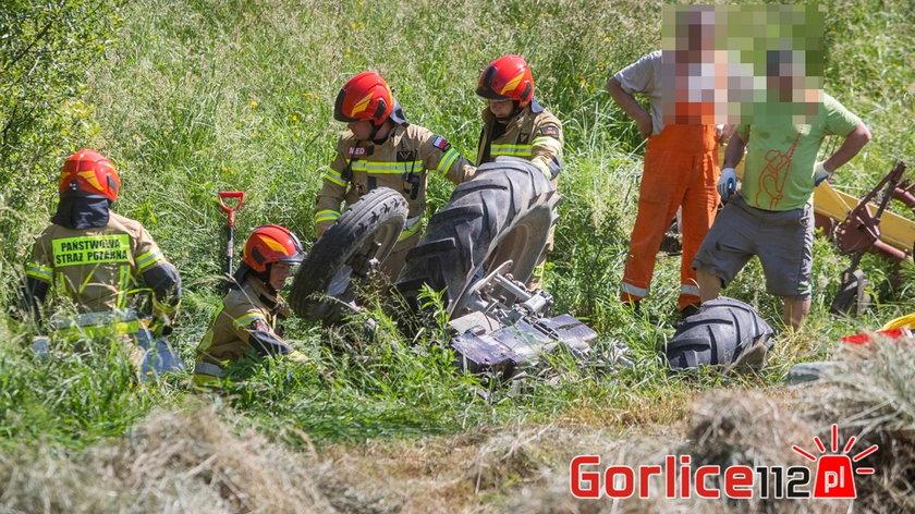 Gorlice. 22-latek przygnieciony przez traktor. Zabrał go śmigłowiec LPR