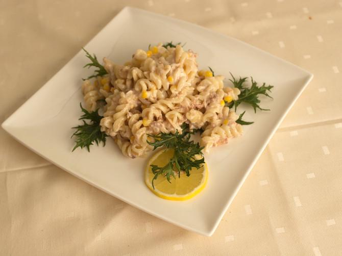 Savršena obrok salata za manje od pet minuta! Ne verujete? Pogledajte video!