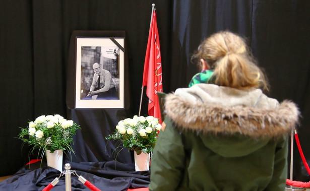 Nie da się niczego osiągnąć poprzez bezwzględną egzekucję prawa wobec zabójcy prezydenta Adamowicza ani poprzez obciążanie sprawujących władzę za wszelkie zło otaczającego nas świata.