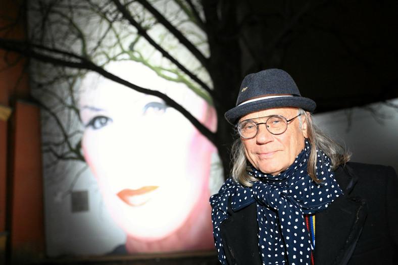 W Centrum Warszawy Odslonieto Mural Z Podobizna Kory Muzyka