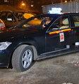 Szokujący atak 18-latka! Rzucił się na taksówkarza z paralizatorem i nożem