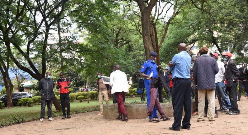Police disperse protestors in Nairobi's Jeevanjee Gardens (Courtesy/Twitter)