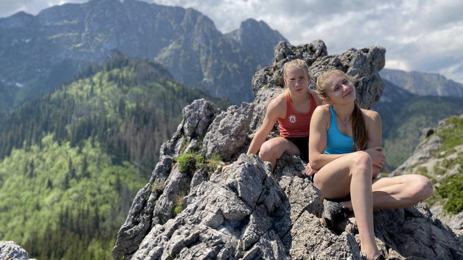 Natalia (na pierwszym planie) i Aleksandra Kałucka