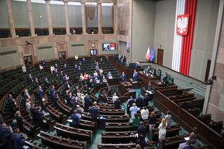 Parlamentarzyści zarobią więcej. Sejm przyjął zmiany podwyższające wynagrodzenia