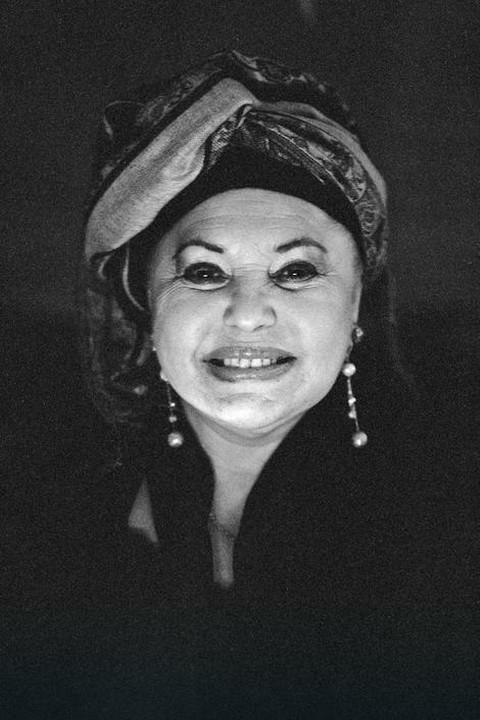 Esma Redžepova imala je 47 sinova i jednu ćerku, a ona izgleda ovako!