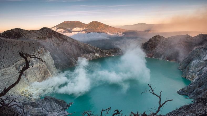 Aktywny wulkan w Indonezji Kawah Ijen