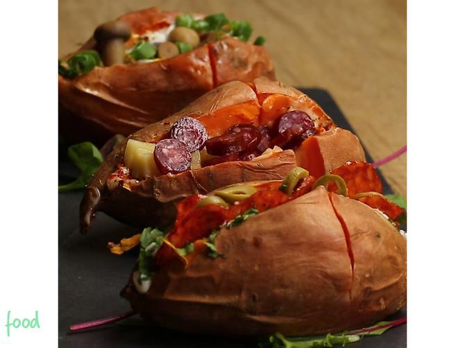 Batat iz rerne: Pečeni punjeni slatki krompir postaće vaš omiljeni ručak!