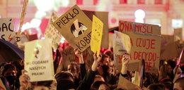Nauczycielka straci pracę za udział w strajku kobiet? Broni jej ZNP