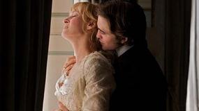 Zobacz, jak Robert Pattinson uwodzi Umę Thurman