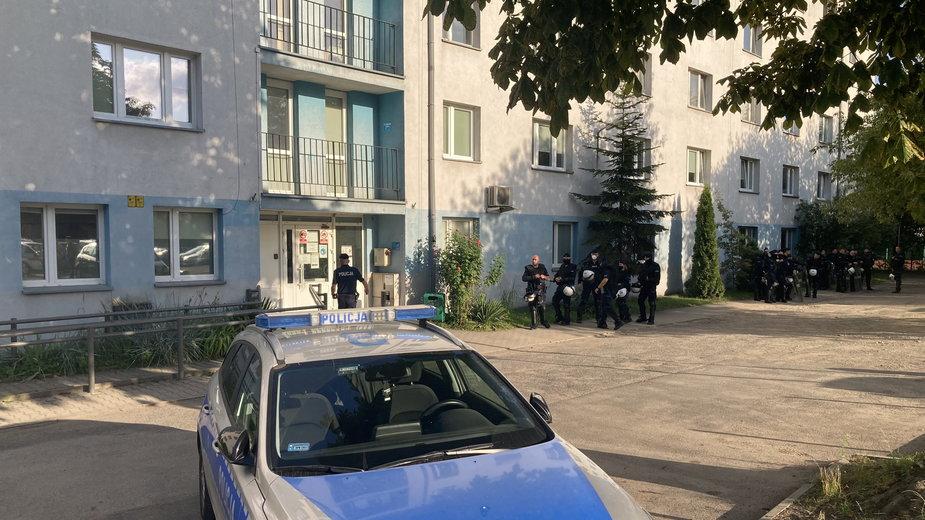 Drugi policjant wydalony ze służby wz. interwencją w izbie wytrzeźwień