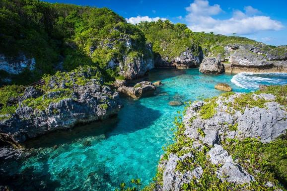 Popularno mesto za kupanje na istoimenom ostrvu - Niue