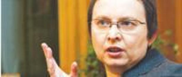 Katarzyna Hall, minister edukacji narodowej