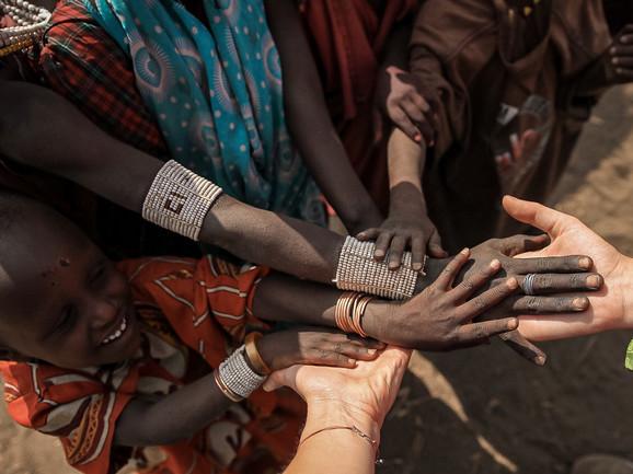Deca u Engaruka selu