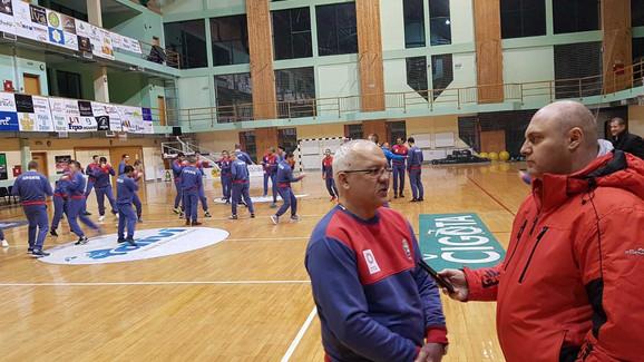 Miodrag Perunović u razgovoru sa urednikom sportske rubrike