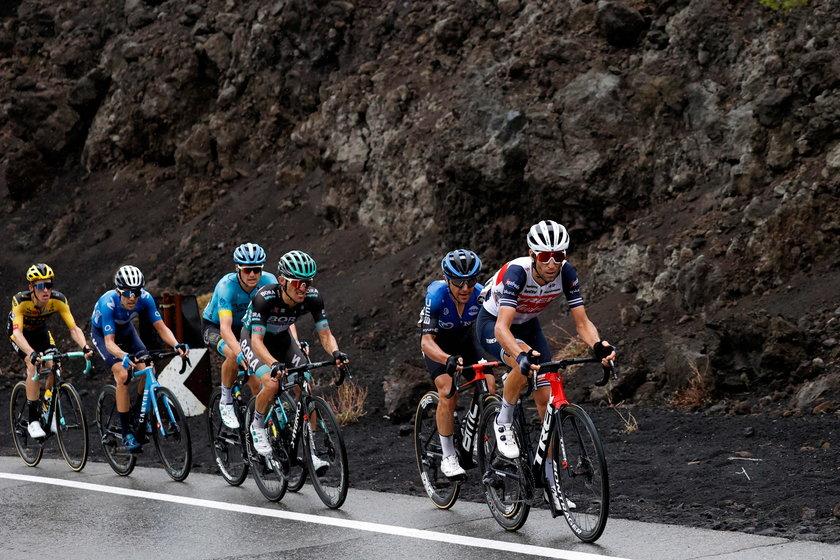 Zostało sześć etapów do końca rywalizacji, ale nie wiadomo, czy ten kolarski wyścig zostanie dokończony.