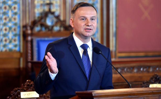 """""""Chcę bardzo mocno podkreślić, że ja jako prezydent RP, jako zatem przedstawiciel polskich władz, jestem zwolennikiem tego, by zarówno integracja europejska, jak i w perspektywie integracja w ramach NATO, a więc integracja bezpieczeństwa obejmowała coraz więcej państw"""" - zadeklarował Duda"""
