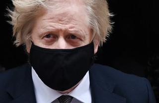 Boris Johnson zaszczepiony preparatem firmy AstraZeneca