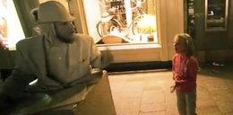 Mim wściekły do dziecka: zarobiłabyś parę klapsów na d... VIDEO