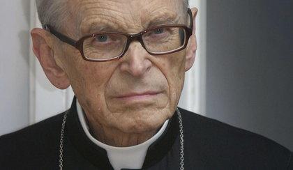 Kardynał Macharski nadal nie odzyskał przytomności