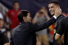 Trener Valensije otkrio: Evo šta nam je rekao isključeni Ronaldo dok je uplakan napuštao teren