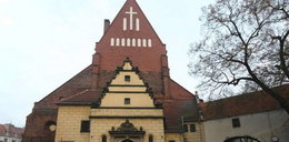 Matka i córka powiesiły się w kościele w Oleśnicy. Przed roratami