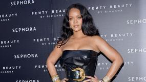 Rihanna w bardzo krótkiej sukience. Za krótkiej?