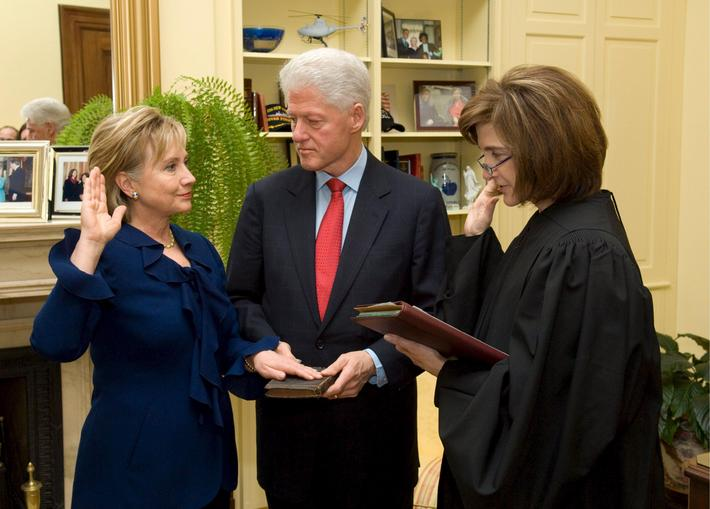 Hillary Clinton sworn in as US Secretary of State