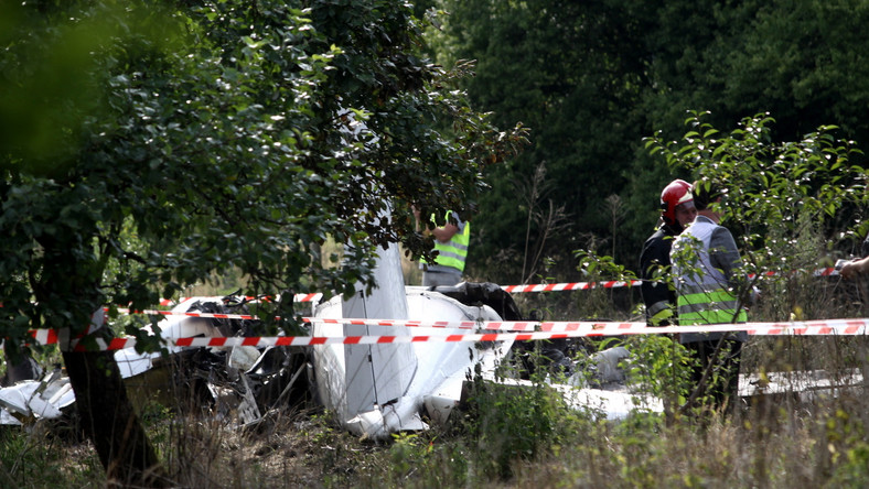Katastrofa samolotu w Topolowie. Eksperci: Nie pracował lewy silnik