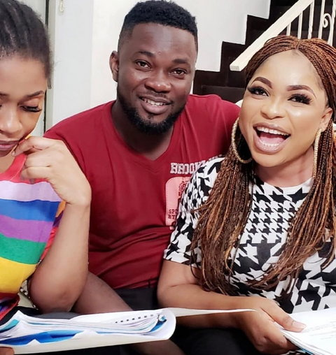 Dauda Gida (middle) and Kemi Afolabi Adesipe (right) on the set of new movie, '2 can play that game' [Instagram/gidabless]