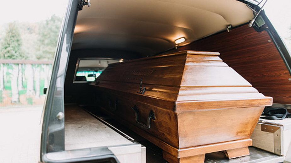 Mężczyznę mylnie uznano za zmarłego
