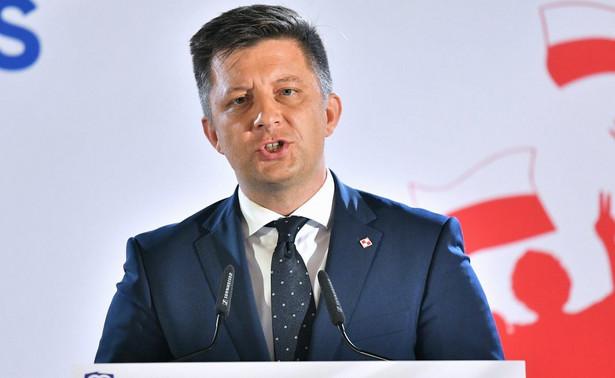 Premier Mateusz Morawiecki powołał w czwartek kierownictwo KPRM, szefem kancelarii został ponownie Michał Dworczyk, poseł PiS Krzysztof Kubów - szefem gabinetu politycznego premiera, a Piotr Müller ponownie został powołany na stanowisko rzecznika rządu.