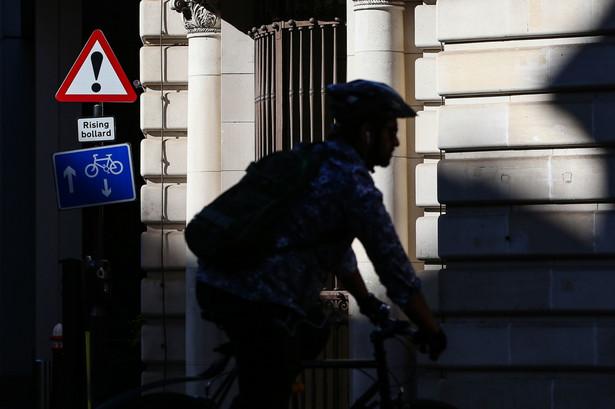 Rowerzysta w Londynie. 29.05.2020