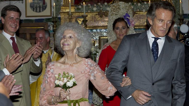 Księżna Alby Cayetana Fitz-James Stuart i jej świeżo poślubiony mąż Alfonso Diez Carabantes w pałacu Duenas