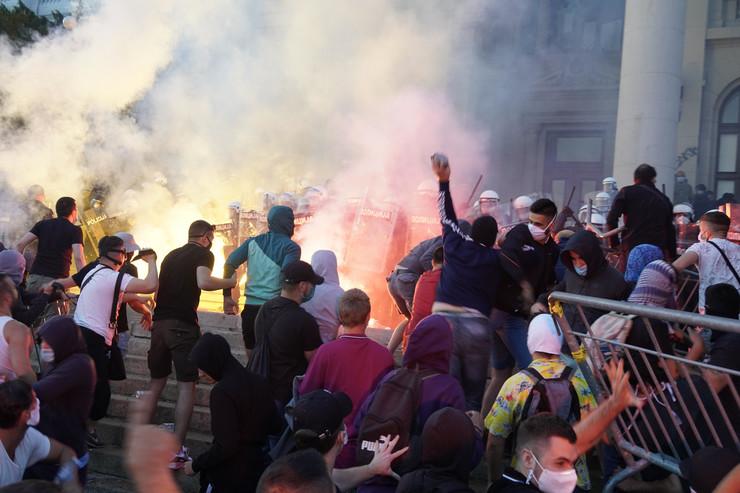 Protest 2. dan