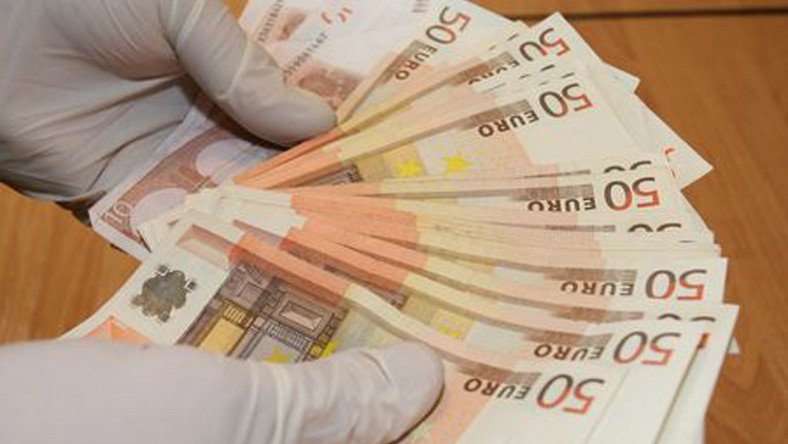 Policja ujęła przestępców fałszujących banknoty euro